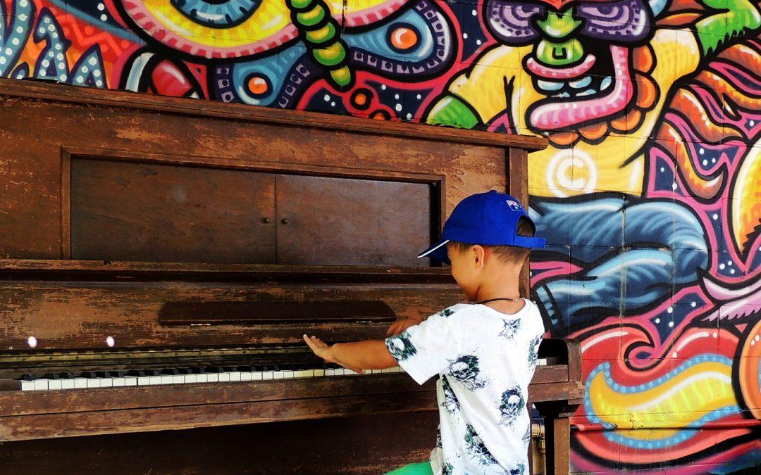 Польза игры на фортепиано